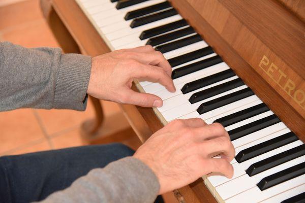 Position de la main au piano2